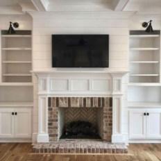 Unique Farmhouse Fireplace Design Ideas For Living Room21