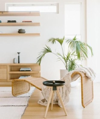 Unique Summer Decor Ideas For Living Room16