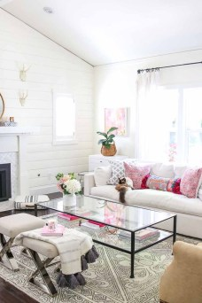 Unique Summer Decor Ideas For Living Room34
