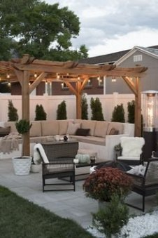 Beautiful Backyard Décor Ideas25