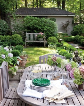 Beautiful Backyard Décor Ideas34