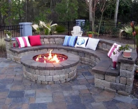 Beautiful Outdoor Fire Pits Ideas16