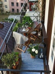 Inexpensive Apartment Patio Ideas On A Budget17