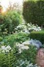 Brilliant French Country Garden Décor Ideas39