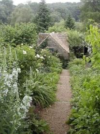 Extraordinary Summer Garden Ideas Just For You 28
