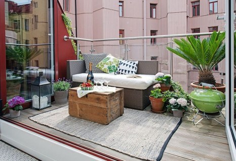Inspiring Wooden Floor Design Ideas On Balcony For Your Apartment 03
