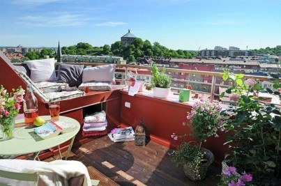 Inspiring Wooden Floor Design Ideas On Balcony For Your Apartment 16