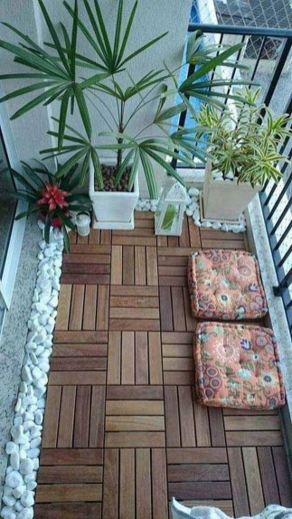 Inspiring Wooden Floor Design Ideas On Balcony For Your Apartment 17