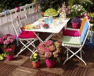 Inspiring Wooden Floor Design Ideas On Balcony For Your Apartment 26