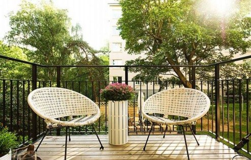 Inspiring Wooden Floor Design Ideas On Balcony For Your Apartment 33