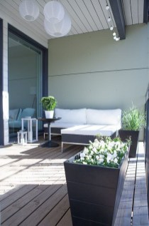 Inspiring Wooden Floor Design Ideas On Balcony For Your Apartment 35