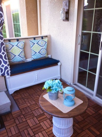 Inspiring Wooden Floor Design Ideas On Balcony For Your Apartment 53