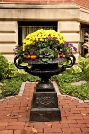 Lovely Window Design Ideas With Vase Flower Ornament04