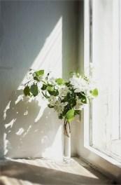 Lovely Window Design Ideas With Vase Flower Ornament13