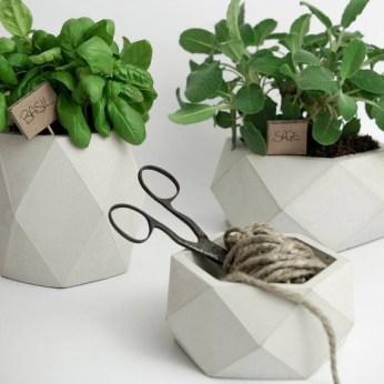 Lovely Window Design Ideas With Vase Flower Ornament21