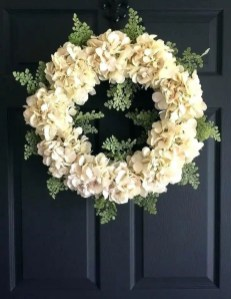 Pretty Hang Wreath Ideas In Door For Summer Time 14