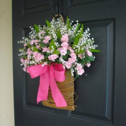 Pretty Hang Wreath Ideas In Door For Summer Time 41