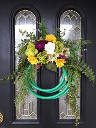 Pretty Hang Wreath Ideas In Door For Summer Time 49
