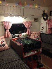 Splendid Christmas Rv Decorations Ideas For Valuable Moment11