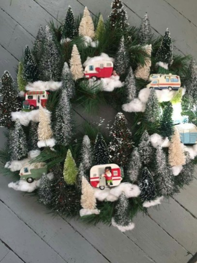 Splendid Christmas Rv Decorations Ideas For Valuable Moment44