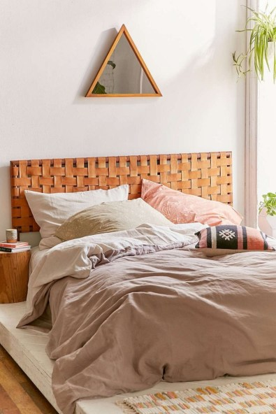 Amazing Headboard Design Ideas For Beds That Look Great33