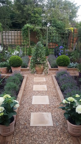 Inspiring Garden Ideas That Are Suitable For Your Home34