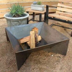 Inspiring Outdoor Fire Pit Design Ideas To Try22