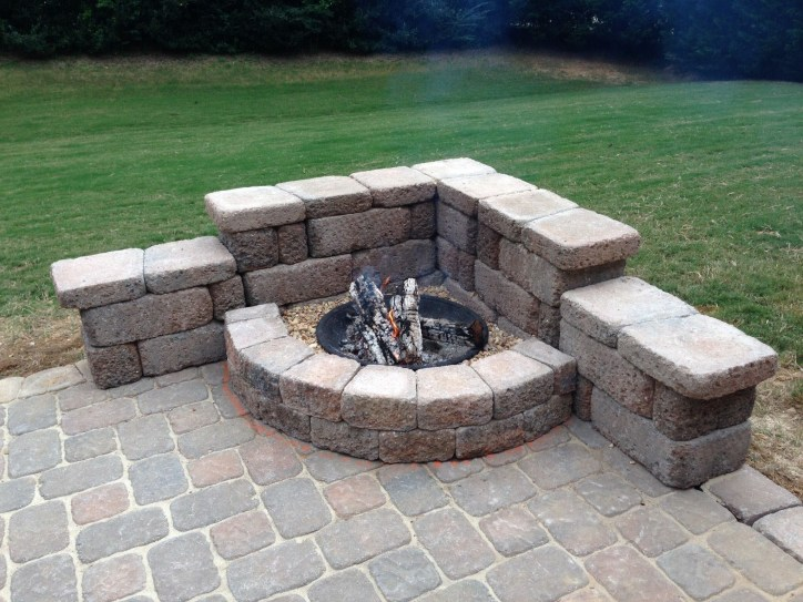 Inspiring Outdoor Fire Pit Design Ideas To Try23