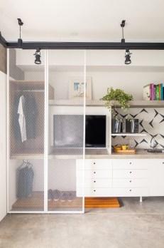 Best Minimalist Walk Closets Design Ideas For You10