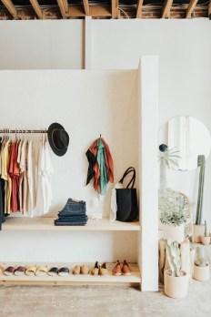 Best Minimalist Walk Closets Design Ideas For You12