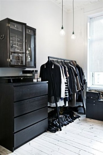 Best Minimalist Walk Closets Design Ideas For You32