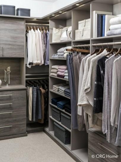 Best Minimalist Walk Closets Design Ideas For You38