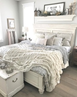 Magnificient Farmhouse Bedroom Decor Ideas To Try Now26