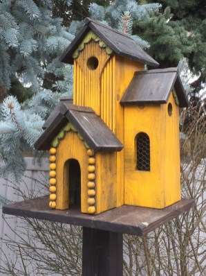 Magnificient Stand Bird House Ideas For Garden27