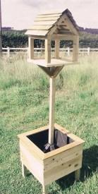 Magnificient Stand Bird House Ideas For Garden33