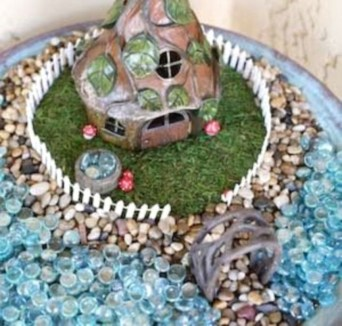 Pretty Fairy Garden Design Ideas To Try08