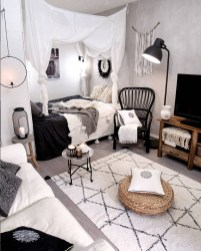 Splendid Studio Apartment Decorating Ideas That Looks Cool31