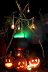 Stylish Outdoor Halloween Decorations Ideas That Everyone Will Be Admired Of02