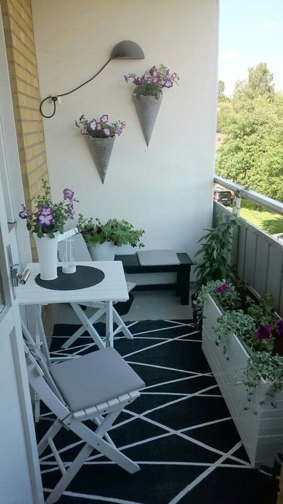 Superb Apartment Balcony Decorating Ideas To Try49