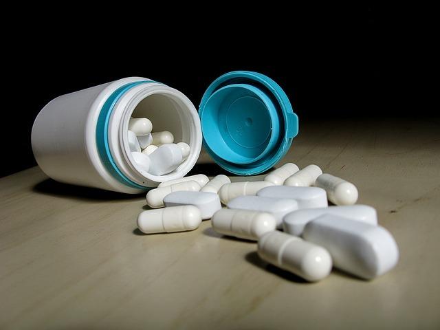 Los medicamentos que no utilices tienes que llevarlos al Punto Sigre