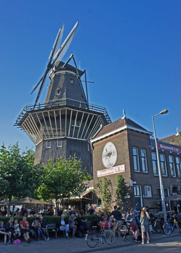 'T Ij brewery and bar, Amsterdam: too hip to hop?