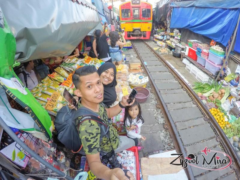 Malaysian Family Travel Maeklong